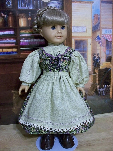 Hint of lavender keepersdollyduds  Dirndl and apron for Kirsten by Keepersdollyduds, via Flickr