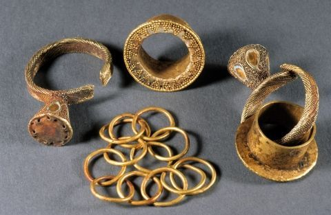 Sheet work, decorated with filigree, granulation and enamel: ear plugs and pendants with chain. SCYTHIAN