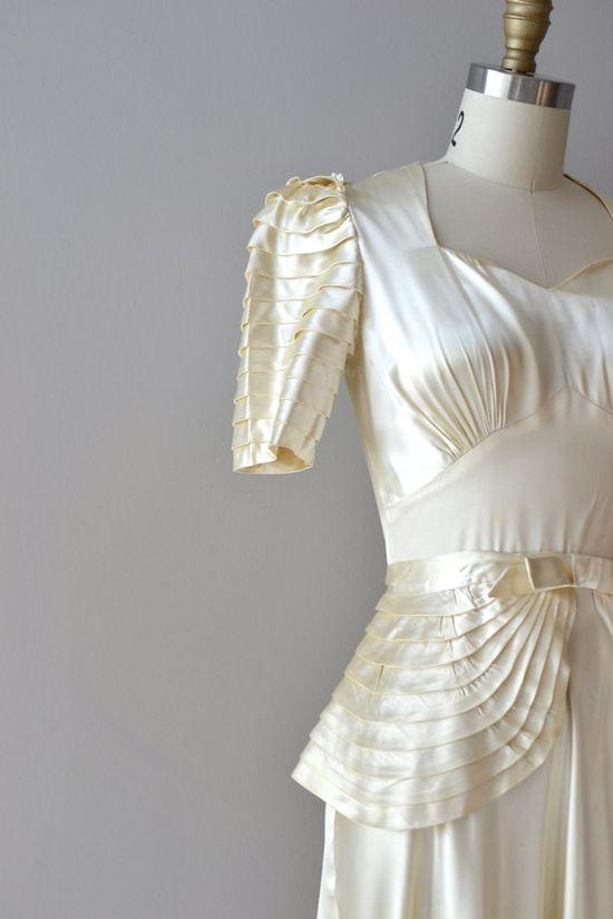 1930s wedding dress / silk 30s wedding dress via Etsy.