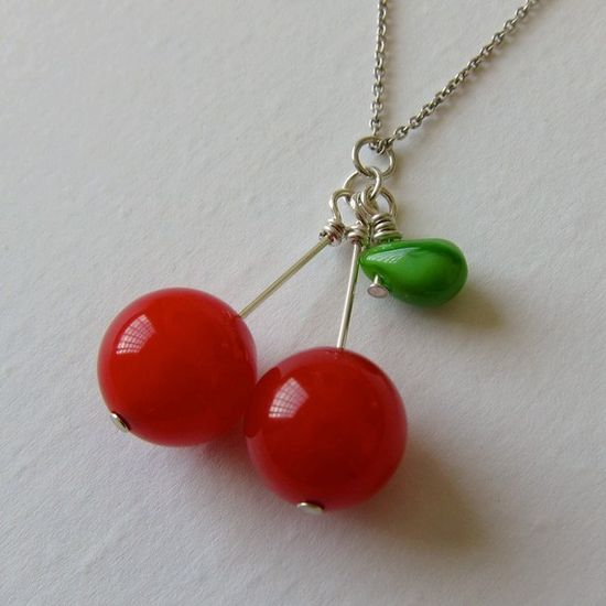 bakelite beads cherry necklace