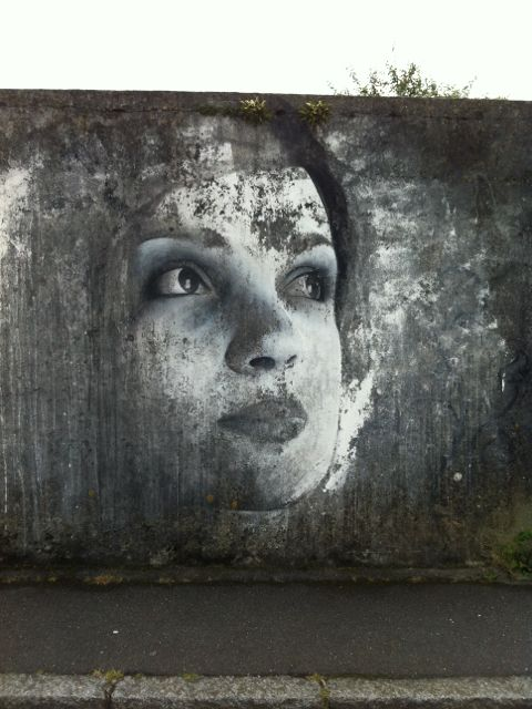 Graffiti by Ben Slow, Brest, France.