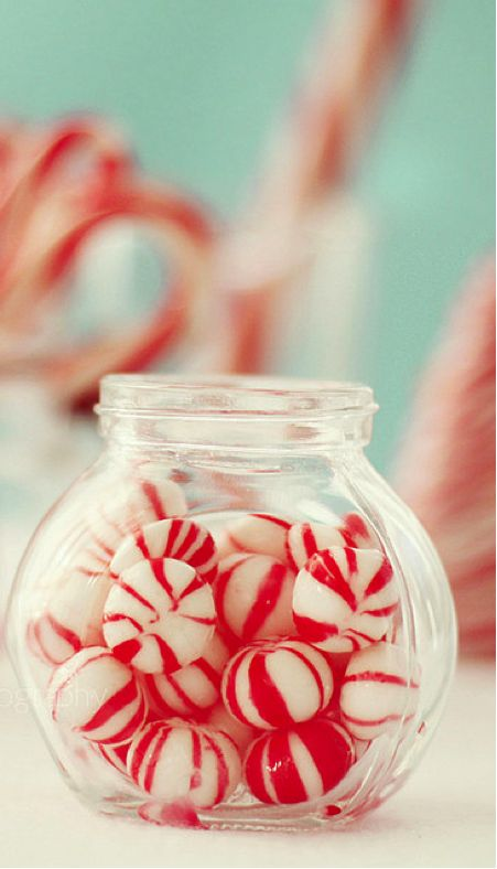 simple holiday decor idea: fill jars with festive candy