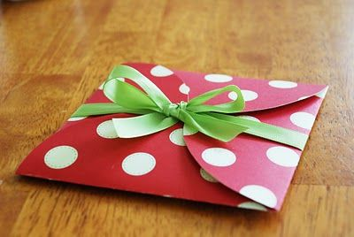 Cute Idea for invitation or gift card holder!