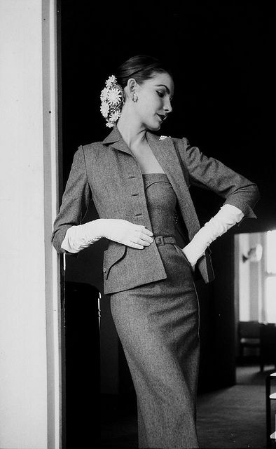 I adore her floral snood/hair net. #vintage #fashion #1950s #dress #suit #hair
