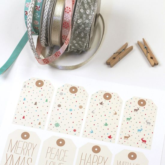 Holiday Gift Tags www.lovevsdesign.com