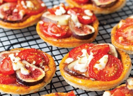 Tomato and Fig Tarts Recipe : Cook Vegetarian Magazine