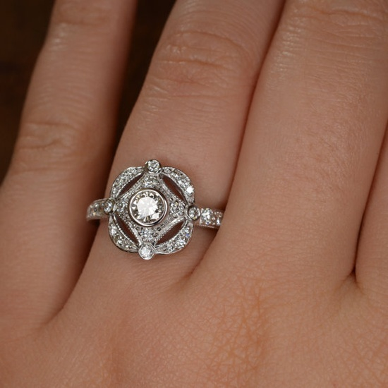 Roaring 20s / Art Deco Diamond Ring