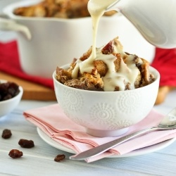 Apple Bread Pudding - Apple Cinnamon Bread Pudding that's healthy enough to be enjoyed for breakfast