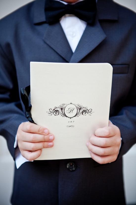 Lovely Wedding Programs ~   Photography by jennyevelynphoto.com