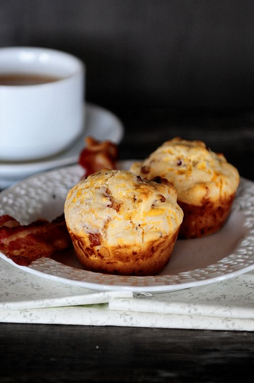 Bacon and cheese breakfast muffins with a kick via @Kristen Wogan Doyle
