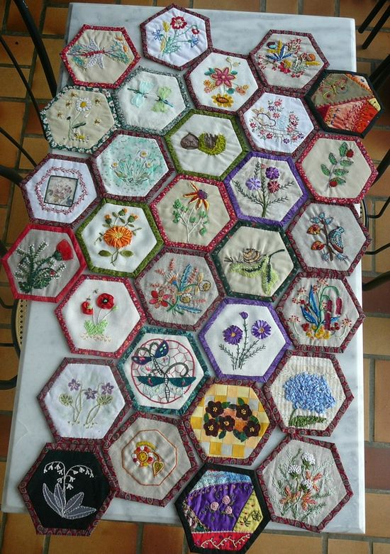 Broderies et hexagones