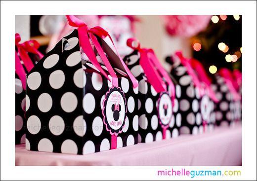 Minnie Mouse party favor boxes