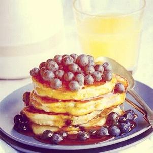 Blueberry & ricotta pancakes - yummm!