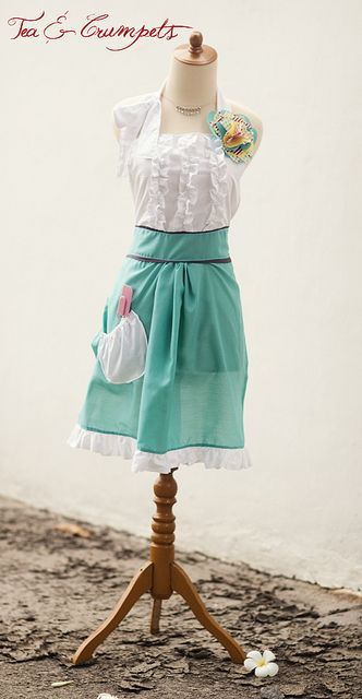 Tea and Crumpets Apron, pattern and tutorial