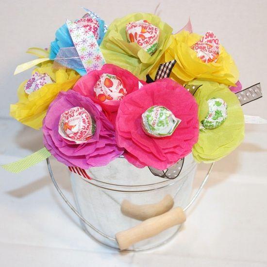 Spring or Summer Party Favor Lollipop Sucker or gift. Cute Idea.