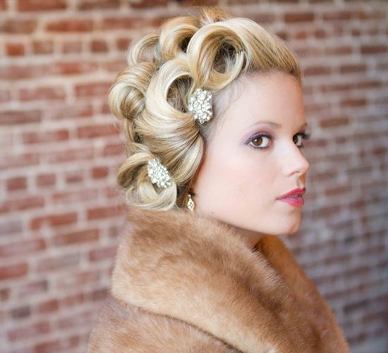 pretty vintage hair @ stephanie bennett please do this to my hair!!!!