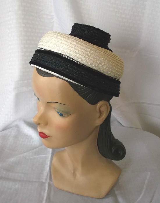 50's 60's Vintage Luci Puci Unusual Black and White Pill Box Hat 22.
