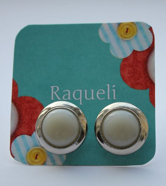 Vintage style buttons earrings