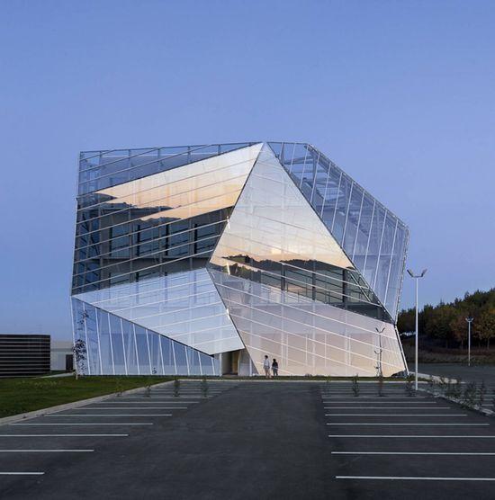 E8 Building, Coll-Barreu Arquitectos
