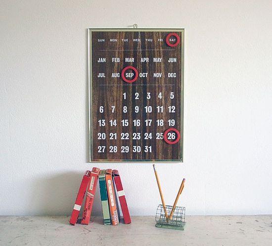 Love this vintage faux bois perpetual calendar