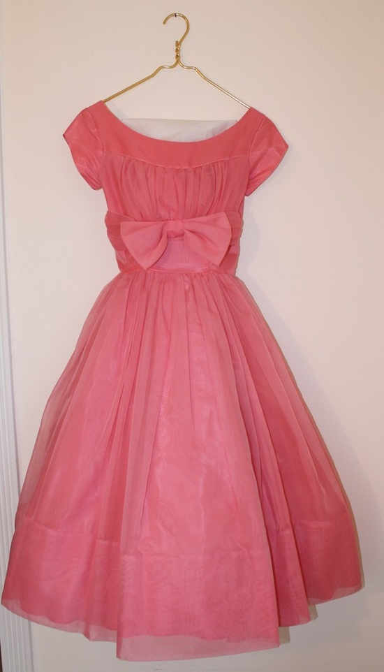 precious little pink dress! #dress #1950s #partydress #vintage #frock #retro #bow #teadress #petticoat #romantic #feminine #fashion