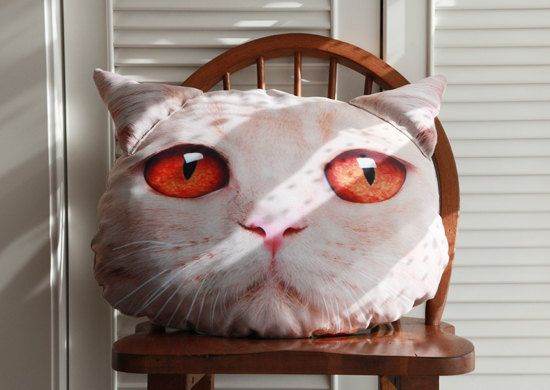 100 Original Cat Head Style Pillow Cream British by digimana