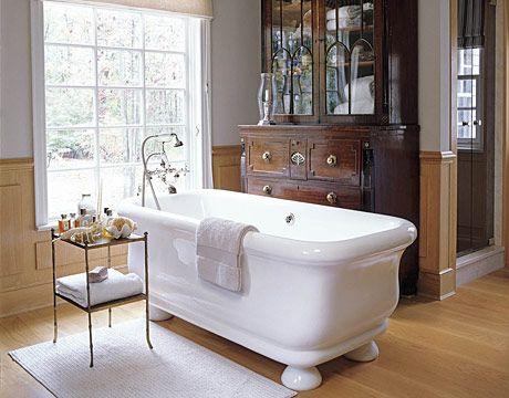 love this antique/modern mix bathroom.