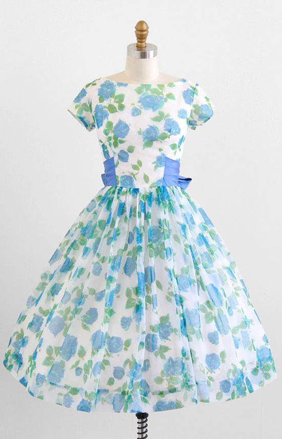 vintage 1950s sky blue roses floral chiffon party dress #fashion #floral #dress #1950s #partydress #vintage #frock #retro #sundress #floralprint #petticoat #romantic #feminine