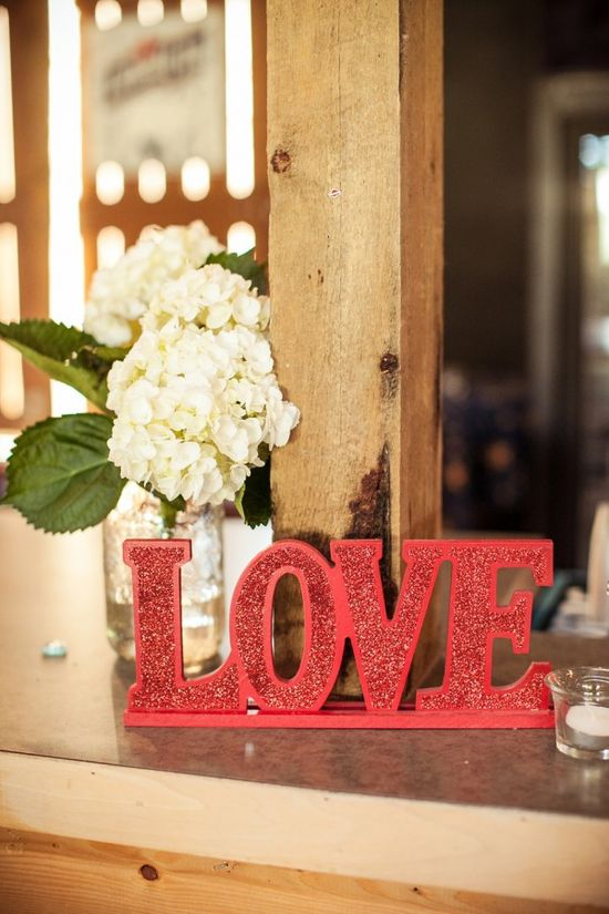 'love' Reception Decor