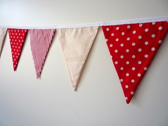 Red & white bunting for a Minnie Mouse party