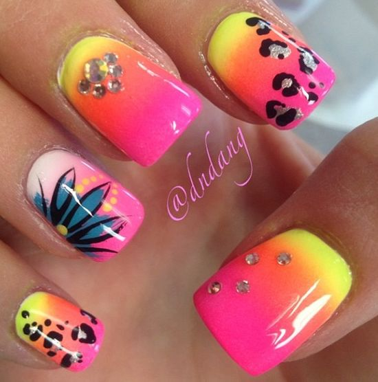 neon ombre nails i like the ring finger