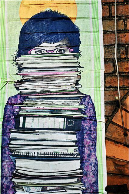 Leitura urbana #arteurbana #streetart #graffith #grafite #urbanart #library