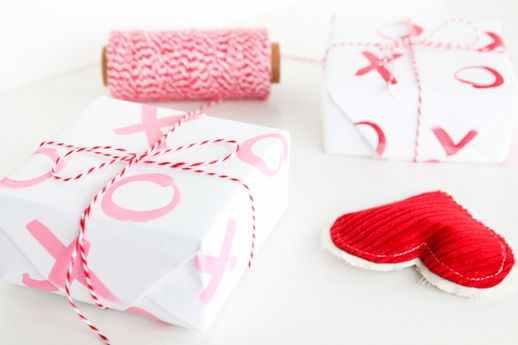 "More gift wrap ideas. The ""xo"" pattern is easy to create at home.  Perfect for any occasion."