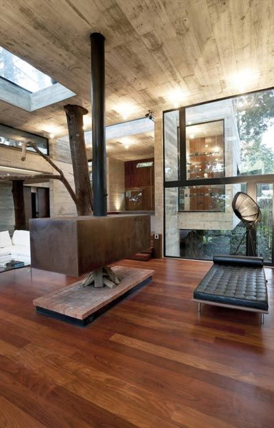 Paz Arquitectura built this house in Santa Rosalia, Guatemala