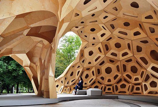 bionic research pavilion made of wood madera exagonos espacio