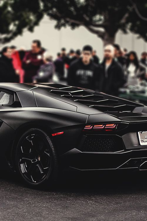 Devine Lamborghini #Aventador. Win the 'ultimate supercar' experience by clicking on this cool image
