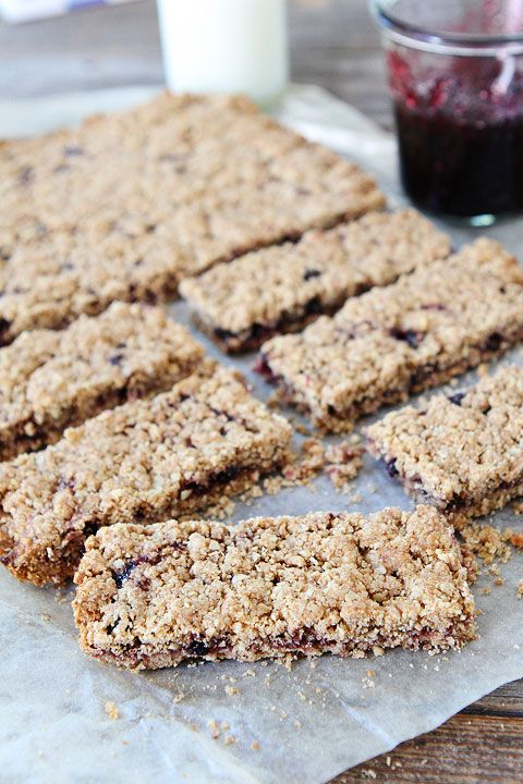 Homemade Whole Grain Fruit-Filled Bas by  twopeasandtheirpod #Bars #Healthy