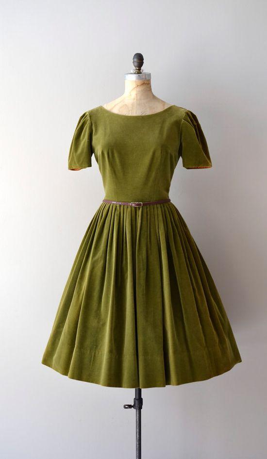vintage 1950s Oronia velvet     #vintagedress #vintage #1950s #velvet #greendress