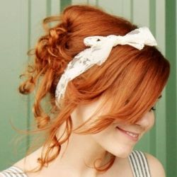 A fantastic organic way to curl up your hair without damaging them. (via A Beatiful Mess)