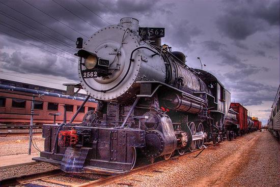 2-8-0 steam locomotive