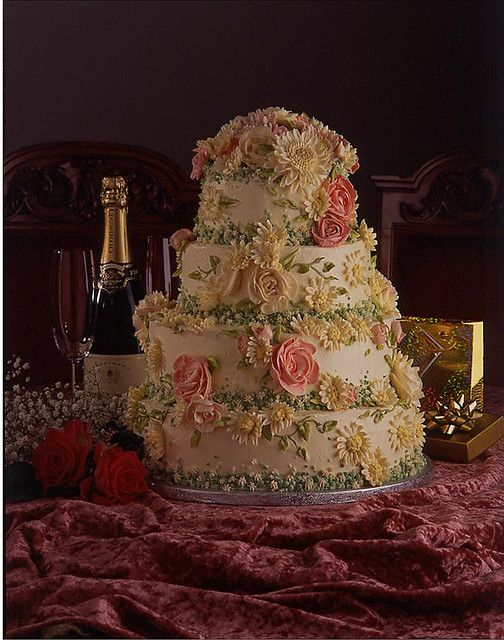 wedding cake  by katjas Cakes, via Flickr