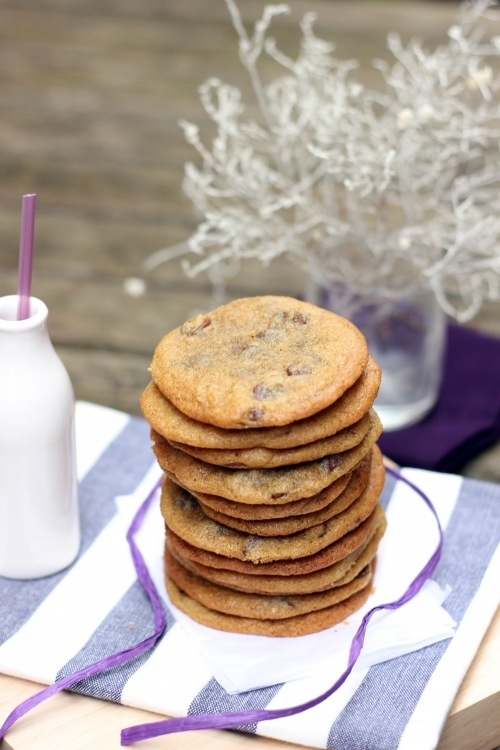 THIN AND CHEWY BROWN SUGAR CHOCOLATE CHIP COOKIES