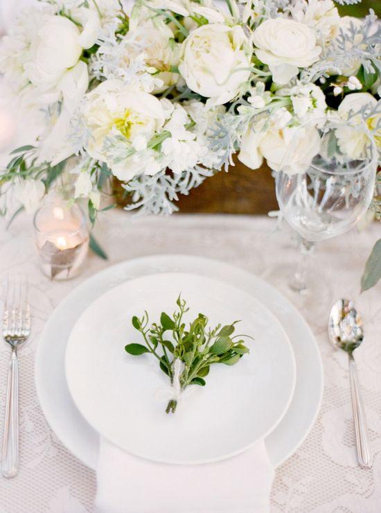 Magnolia Plantation Charleston Winter Wedding Table Setting Plate Decoration
