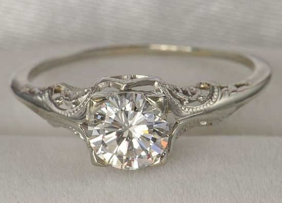 """""""vintage...I love this ring."""""""