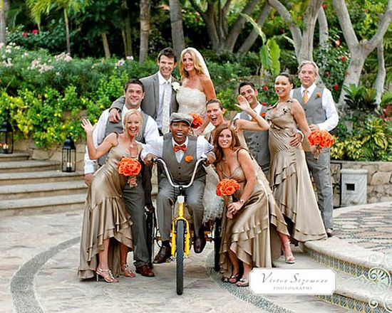 20 creative wedding poses for the bridal party
