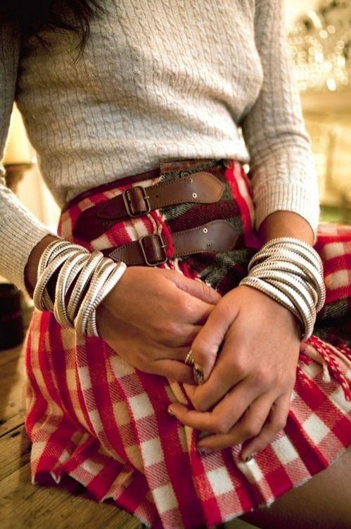 Loving the plaid skirt & nails!