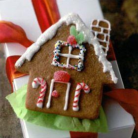 cute gingerbread house cookies