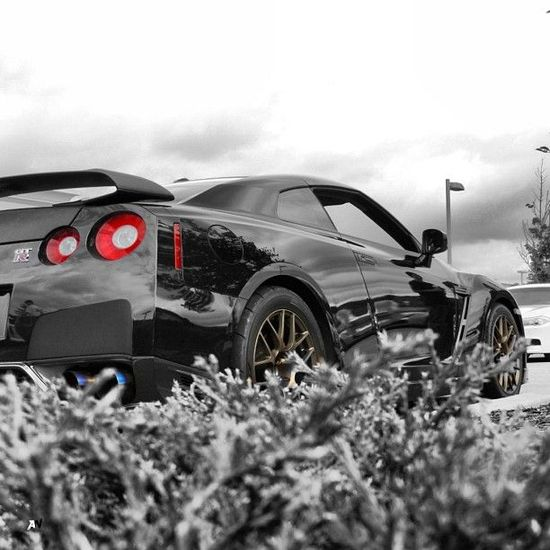 Camouflage Shot  Custom Nissan GTR