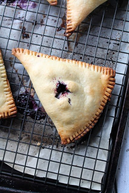 Blueberries and Cream Hand Pies ?