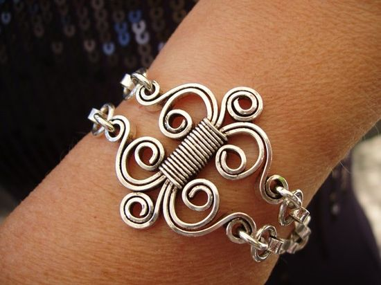 fancy wirework bracelet connector/focal